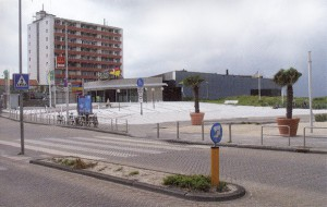 Badhuisplein zirka 2004 mit dem Holland Casino in Hintergrund.