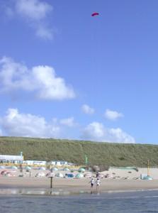 Vliegeren op het strand van Zandvoort