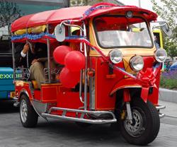 Een Thaise Tuk Tuk - openbare vervoer in Zandvoort