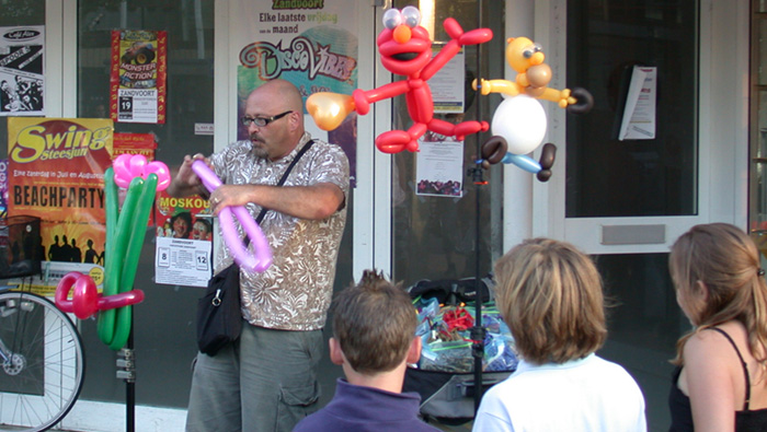 Street Entertainers are often in Zandvoort