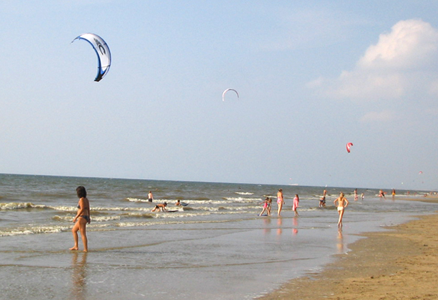 Kitesurfing off Zandvoort beach