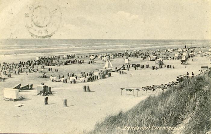 Beach postcard sent to London postmarked 6th Aug 1907