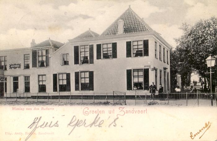 Dr. Gerkes Haus in der Kerkplein am Ende der Kerkstraat – Postkarte datiert auf den 4. Mai 1901.