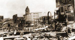 Verwoesting aan het einde van de Burg. Engelbertstraat