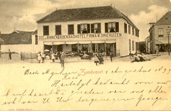 Hotel Driehuizen werd gebouwd in 1826 en stond aan het einde van de Kerkstraat richting de Strandweg.