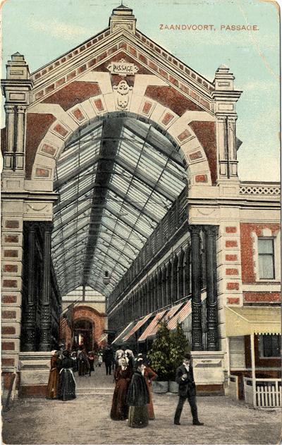 De Passage weer, maar nu van de buitenkant. Het poststempel op de achterkant is van 27 augustus 1909
