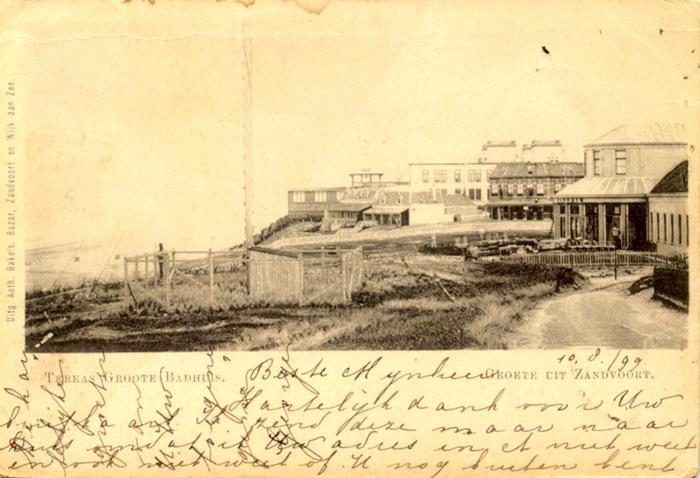 Hotel Groot Badhuis werd hoog in de duinen gebouwd tussen 1826 en 1828. Deze kaart is van 10 augustus 1899.
