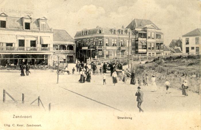 Uitzicht over de Strandweg in circa 1905; deze ansichtkaart was verstuurd naar Leiden.