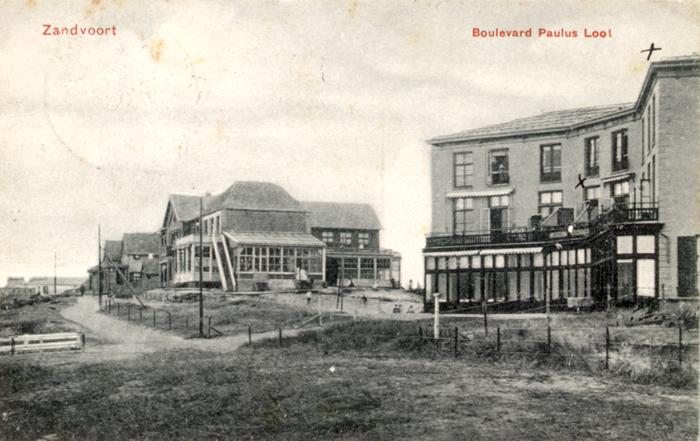 De Boulevard Paulus Loot. De boulevard die loopt van de Strandweg naar de nieuwbouwwijk waar de weg een bocht maakt en overgaat in de Brederodestraat. Poststempel van 1 augustus 1906